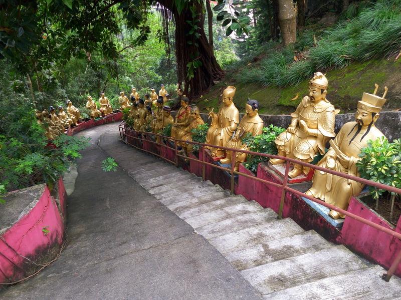 монастырь десяти тысяч будд