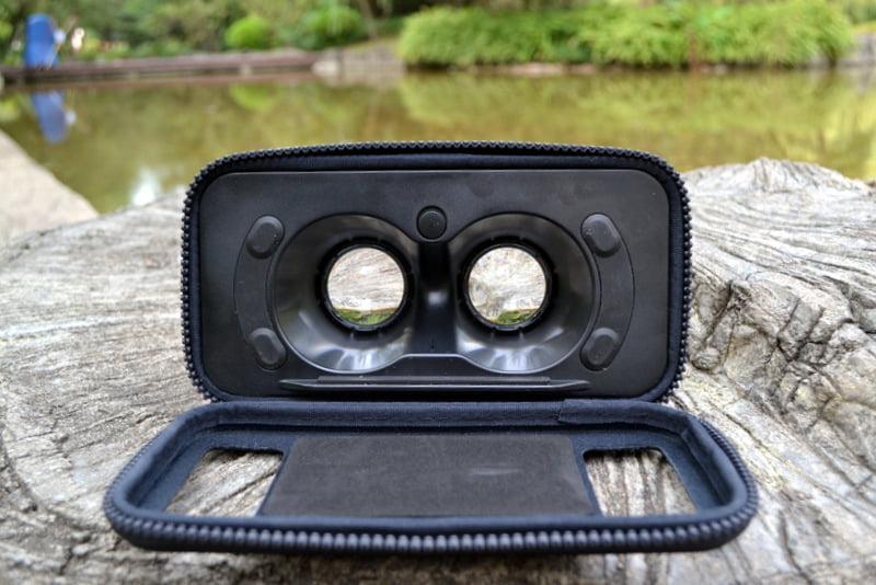 открытые очки виртуальной реальности